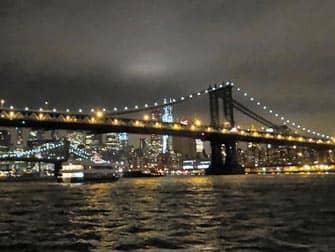 Bateaux New York illallisristeily - Brooklynin silta