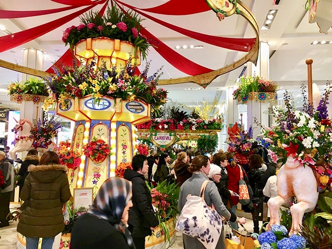 Macy's New Yorkissa - Flower Show