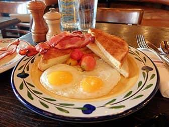 Aamiainen New Yorkissa - Breakfast at Gemma
