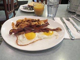Aamiainen New Yorkissa - Westway Dinerin aamiainen