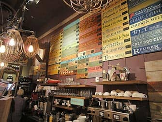 Parhaat kahvilat ja bagelit New Yorkissa - Grey Dog NYC