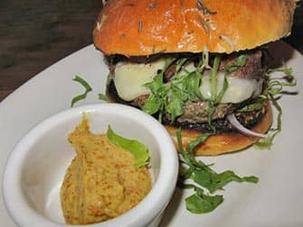 Parhaat hampurilaiset New Yorkissa - Maialino burger