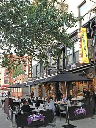 Harlem New Yorkissa - Sylvia's Restaurant