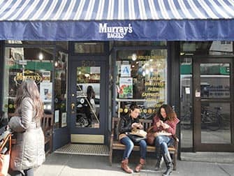 Parhaat kahvilat ja bagelit New Yorkissa - Murrays Bagels