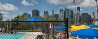 Brooklyn Bridge Parkin uima-allas New Yorkissa