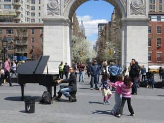 Puistot New Yorkissa - Live-musiikkia Washington Square Parkissa