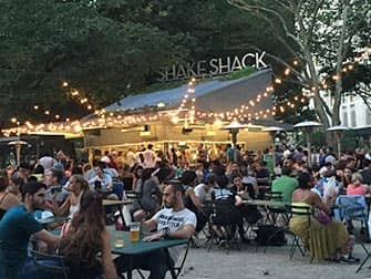 Puistot New Yorkissa - Shake Shack Madison Square Parkissa