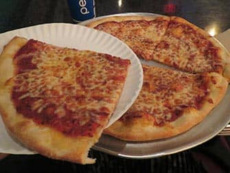 Paras pizza New Yorkissa - Two Boots Pizzan palat