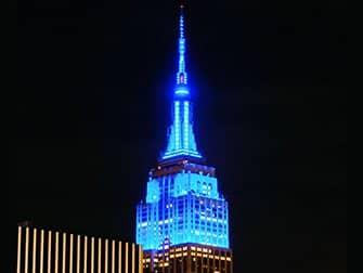 Empire State Building -liput - siniset valot