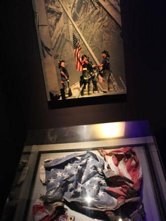 9/11-museo New Yorkissa - Amerikan lippu