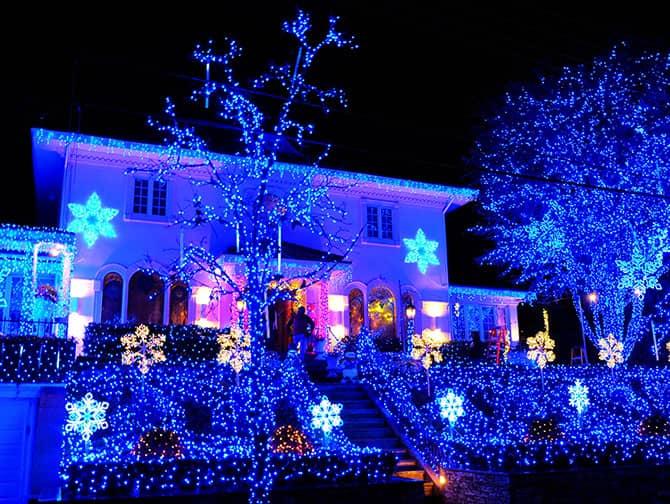Dyker Heights Christmas Lights - Siniset valot
