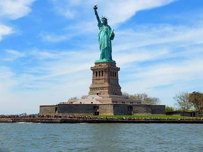 Bateaux-lounasristeily New Yorkissa - Vapaudenpatsas