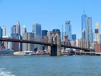 NYC Ferry New Yorkissa - Brooklyn Bridge