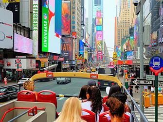 New York Sightseeing Day Pass ja New York Pass -kaupunkipassien erot - Hop on Hop off -bussi
