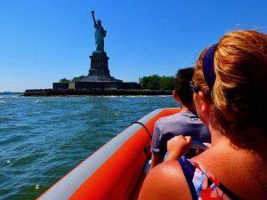 Pikavene-ajelu New Yorkissa